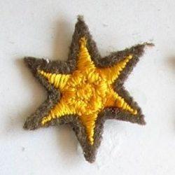 6ágú csillag hímzett -arany 20 mm