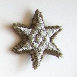 6ágú csillag hímzett - ezüst 17 mm