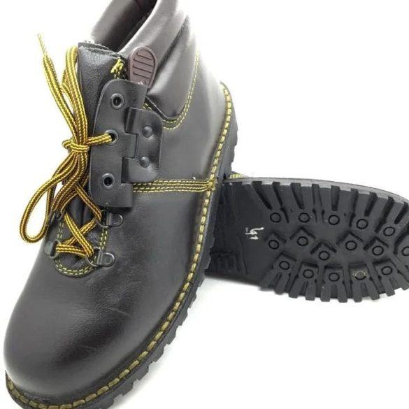Magasszárú cipő - barna 39